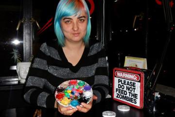 H La Cosedora, la artista que revoluciona las redes sociales con el nail art