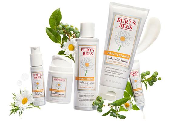 Brilla con luz propia con la nueva línea Brigthening de Burt's Bees
